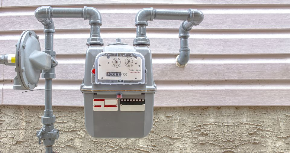 A gas line replacement project in Sebring will move residential meters outside and replace old pipelines.