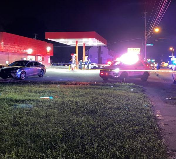 A man was shot in the head at Gateway Gas Mart in Youngstown's south side on Sunday