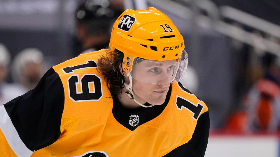 Pittsburgh Penguins' Jared McCann lines up for a face-off in Game 1 of an NHL hockey Stanley Cup first-round playoff series against the New York Islanders in Pittsburgh, Sunday, May 16, 2021. (AP Photo/Gene J. Puskar)