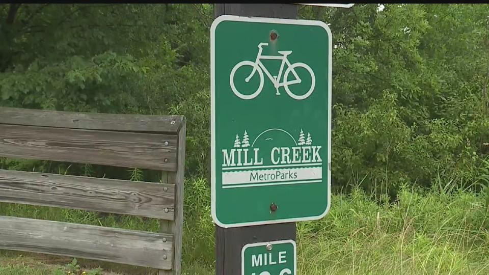 Mill Creek MetroParks bike path, trail sign