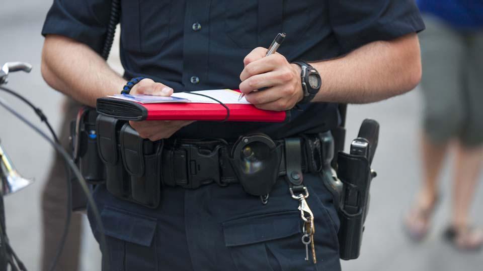 Police writes ticket