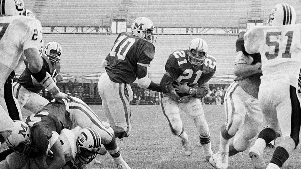 Sherman Smith (10), former quarterback of Miami of Ohio Football team