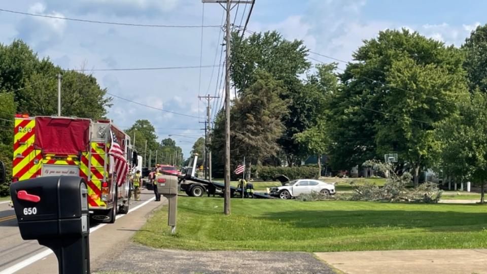 Police close Howland road following Sunday morning crash