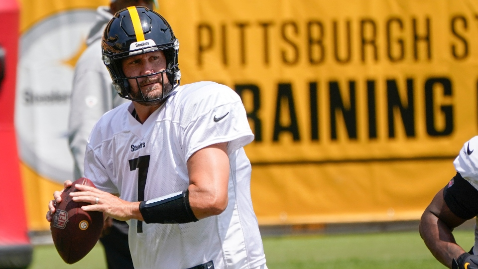 Pittsburgh Steelers quarterback Ben Roethlisberger (7) during an NFL football practice, Saturday, July 31, 2021, in Pittsburgh. (AP Photo/Keith Srakocic)