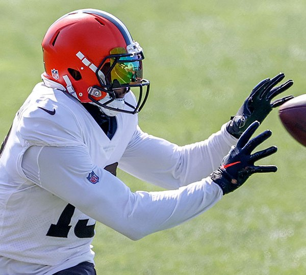 Cleveland Browns wide receiver Odell Beckham Jr. catches a pass during a joint NFL football training camp practice with the New York Giants, Friday, Aug. 20, 2021, in Berea, Ohio