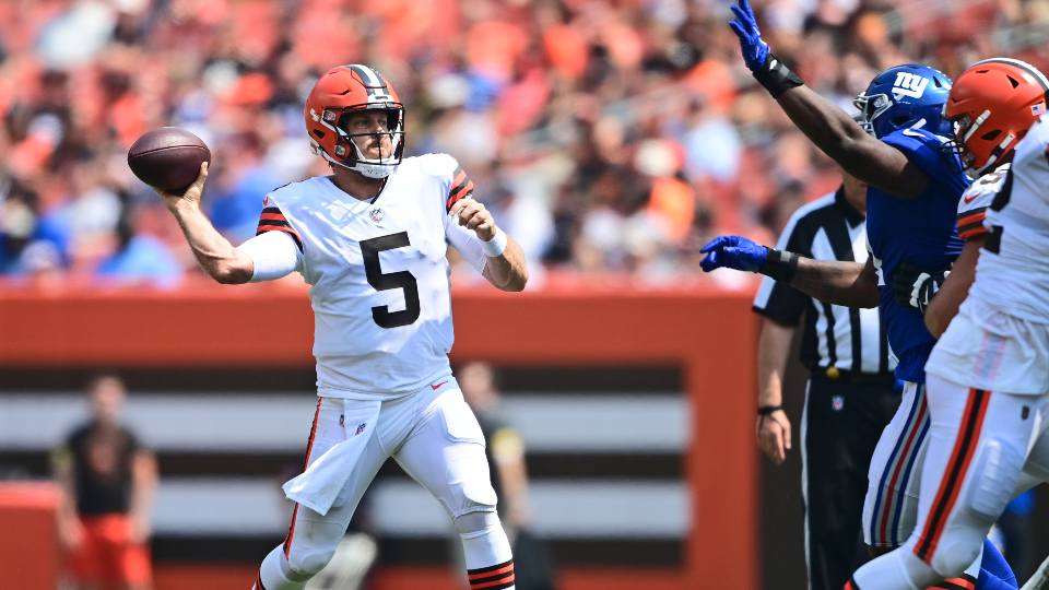 Cleveland Browns quarterback Case Keenum throws during the first half of an NFL football game against the New York Giants, Sunday, Aug. 22, 2021, in Cleveland.