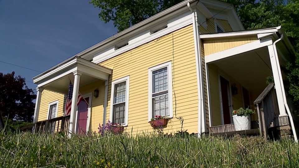 A deadline is now in place to try and save what's believed to be the oldest house in Howland. It's the yellow house at 82 and 46, built in the 1830s.