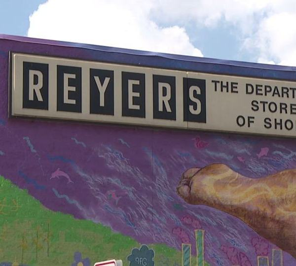After more than 100 years in downtown Sharon, Reyers Shoe Store is moving locations.