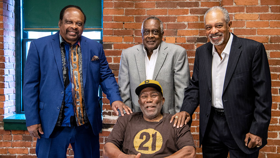Pirates in MLB's 1st minority lineup honored 50 years later
