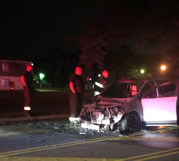 Warren police investigating cause of car fire
