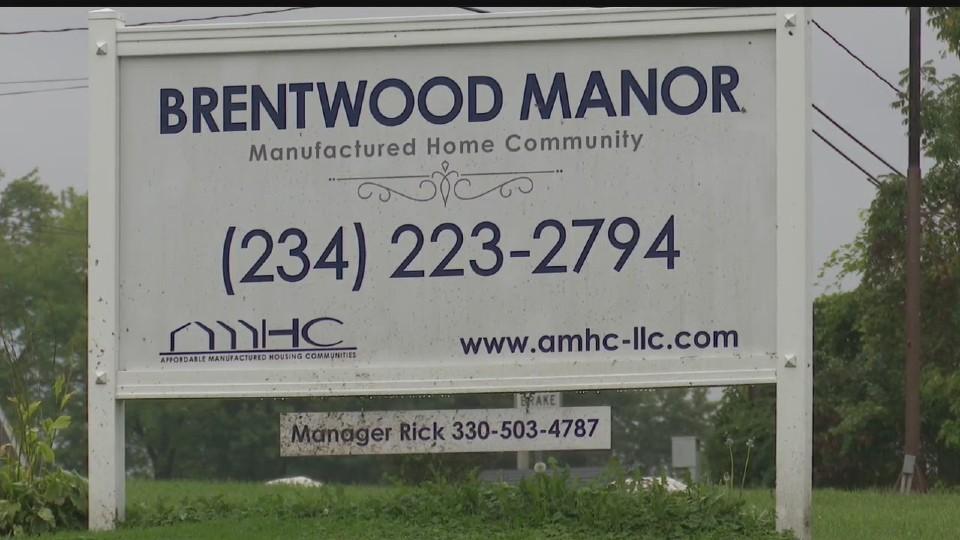Brentwood Manor in Warren