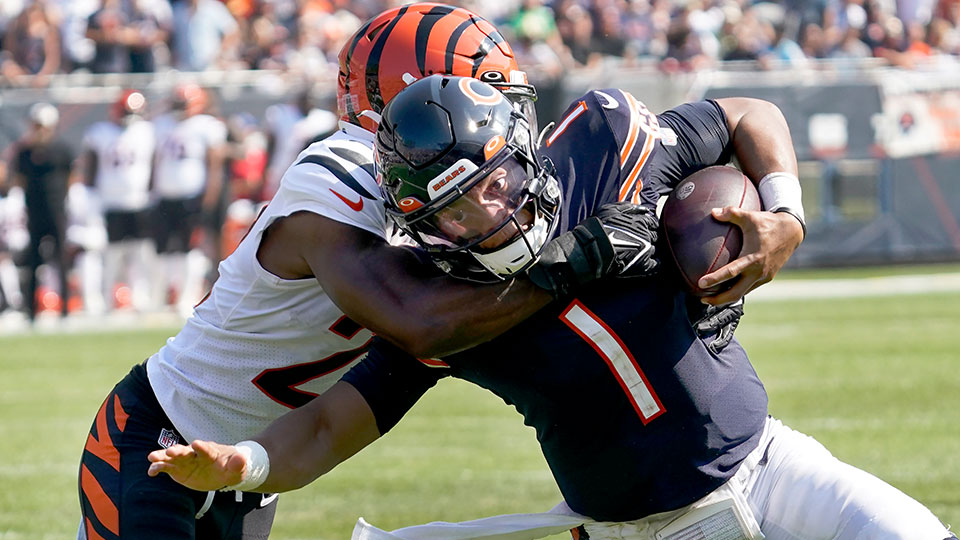 Chicago Bears quarterback Justin Fields (1)