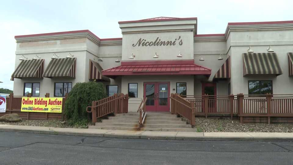 Nicolini's restaurant in Boardman is auctioning off its contents before demolition.