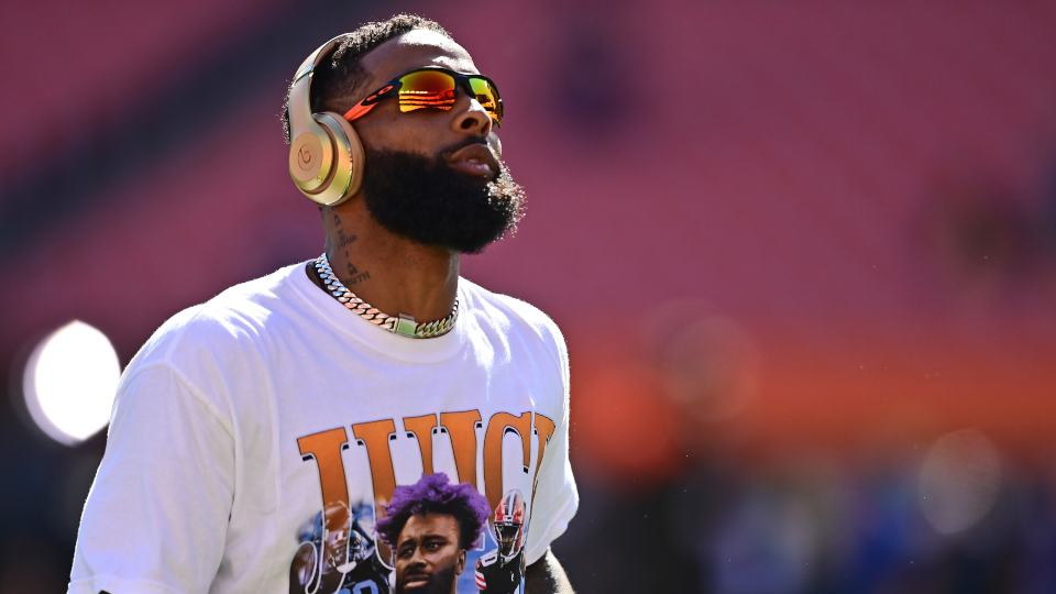 Cleveland Browns wide receiver Odell Beckham Jr. warms up before an NFL football game against the Chicago Bears, Sunday, Sept. 26, 2021, in Cleveland. (AP Photo/David Dermer)