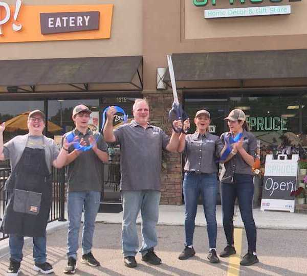 Zoup! eatery in Boardman celebrated their grand opening Tuesday.