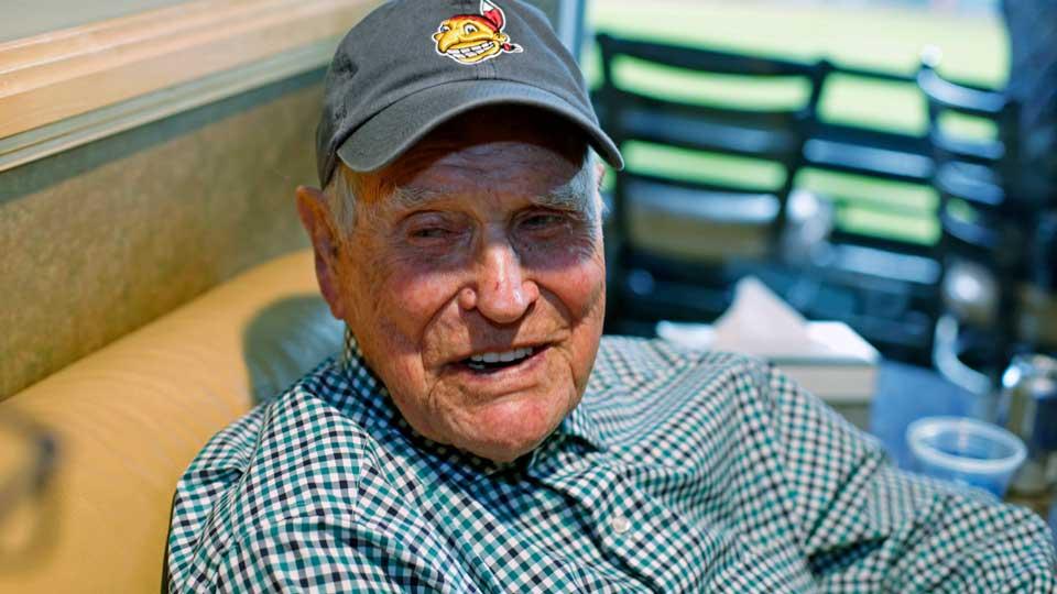 Former GM and oldest former MLB player Eddie Robinson dies at 100