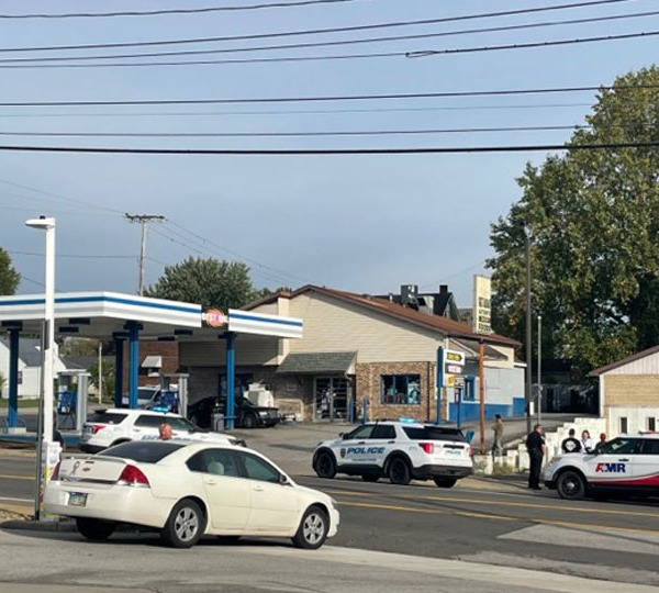 Large police presence at Youngstown gas station
