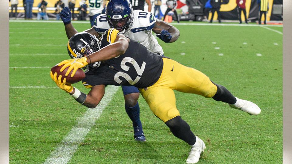 Watt forces fumble in overtime, Steelers edge Seahawks 23-20