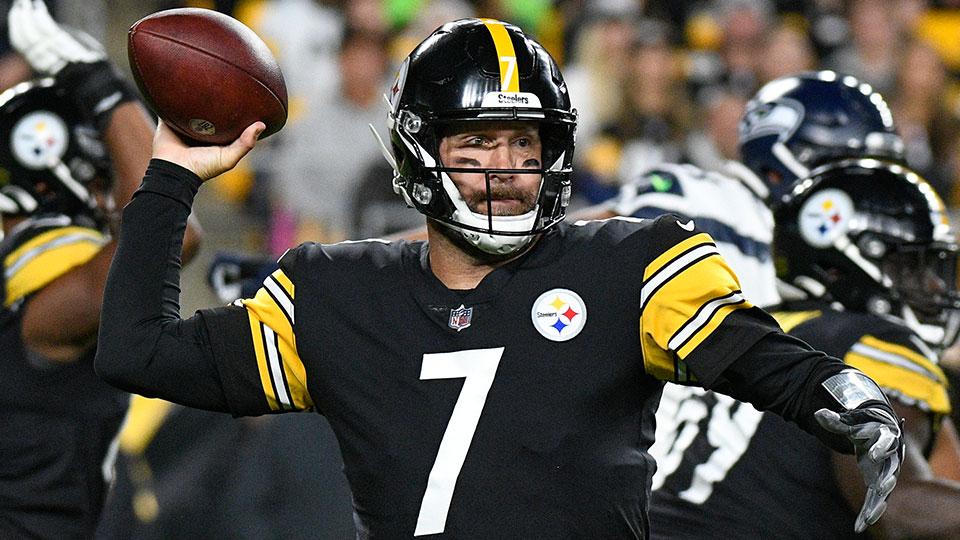 Pittsburgh Steelers quarterback Ben Roethlisberger (7)