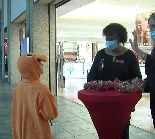 As the Southern Park Mall prepares to open the DeBartlo Commons, they got into the Halloween spirit Friday.